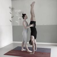 Handstand_BW